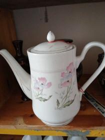 石嘴山瓷器厂茶壶