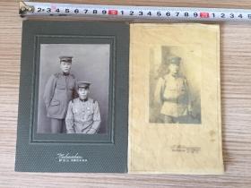 大正時期(民國初期)日本軍人照片兩張,有裝裱