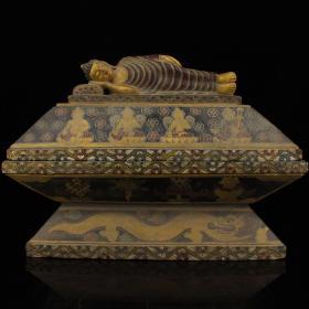西藏寺院收老纯手工雕刻黑石头雕刻彩绘描金释迦摩尼佛祖佛盒      重27.25公斤    高35厘米   宽45厘米