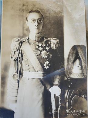 民国满洲国溥仪官装老照片一张