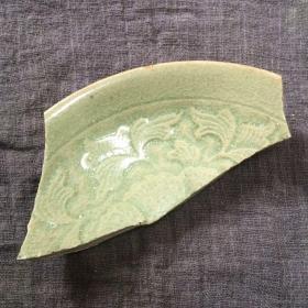 耀州窑青釉单面印花纹瓷片