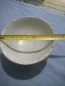 清代豆青油瓷碗