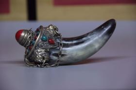 旧藏  老牛角镶嵌多宝鼻烟壶摆件,尺寸14.5*5.5厘米,细节图如下