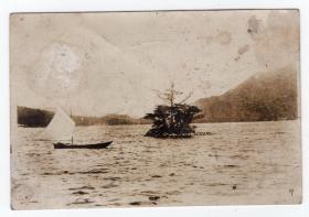 民国报纸图片类----民国原版老照片--1930年前后时间, 湖中泛舟