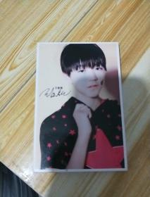 王俊凯  明信片    带签名   29张一盒