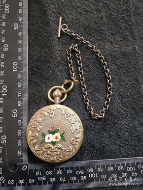 黄铜,铜机械怀表【景泰蓝烤瓷花】上弦走好使。尺寸重量看图,年代不详,请自荐