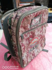 迷彩背包,手提包,品相如图
