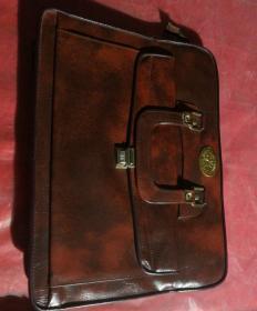 霸气十足的手提公文包,红叶(HONG YE)牌,品相如图
