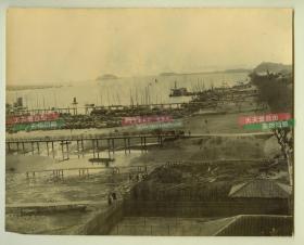 清代长江扬子江镇江码头江岸银盐老照片一张,尺寸为23.6X19.8厘米左右,大约1900年代洗印,近120年左右的历史