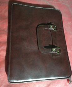 棕色的手提公文包,全新的多功能手提包(手提袋),品相如图。