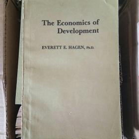 The Economics of Development 发展经济学【英文版】