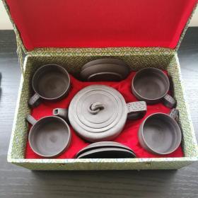 宜兴 紫砂 老 茶壶茶杯碟子 一套 没用过 壶约17cm全长 8cm高