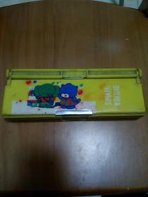 老塑料文具盒多层文具盒