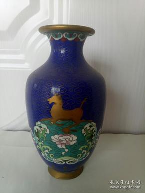 掐丝珐琅铜胎赏瓶(青岛港)