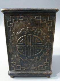 舊藏文房用品·純銅精雕五福祝壽筆筒一個 重量 2.3斤,高16.5公分,寬11公分