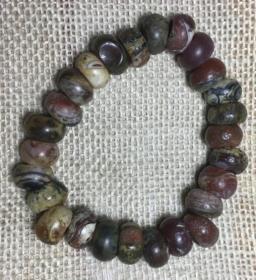 古玛瑙珠,商周时期玛瑙珠,老玛瑙珠,沁色自然,包浆醇厚,神韵十足,为古玛瑙珠中之珍品,可遇不可求,难得一见