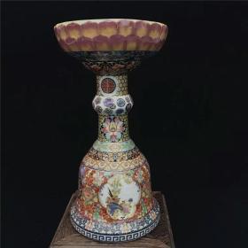 大清雍正年制字样的款,珐琅彩花觚花卉瓶,博古架摆件,老瓷器收藏。尺寸25×13×12