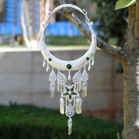 绿色宝石纯银项链,希望和未来的象征,少数民族工艺,富有民风情,鬼斧神工,技艺精湛可遇不可求的神品值得收藏和佩戴