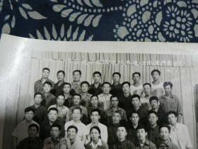 1982年扶余县货运公司先进工作者合影