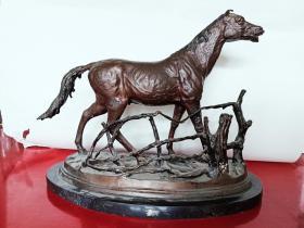 19世纪Pierre Jules Mene   青铜雕塑  马  雕塑复杂款为凿上去的为真品无疑