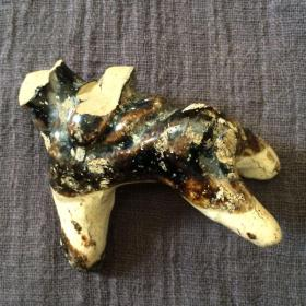 磁州窑黑釉动物像瓷片