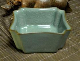 龙泉青瓷铁胎四方抽角主人杯可养线