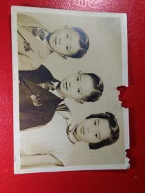 「民国香港儿童照片」。一张。品如图。