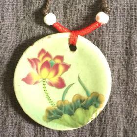 豆青釉粉彩描金陶瓷圈足挂件