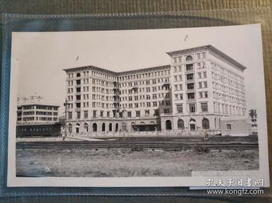 民國香港九龍半島酒店及火車老照片一張
