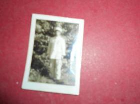 老照片【1个军人,写有1951年