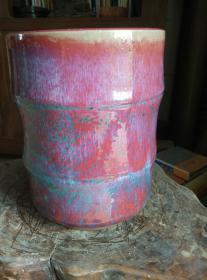 豇豆红窑变瓷器大笔筒,内外釉,直径17.8厘米。