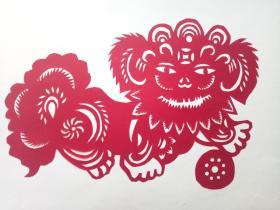 狮子绣球 传统手工剪纸 民间艺术 托裱 (年代:2000年)