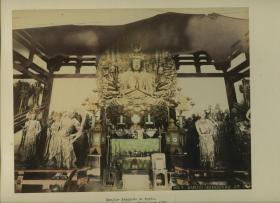 清代日本京都三十三间堂佛教寺院佛像,其为莲华王院的正殿,日本国宝,京都最精彩的寺院建筑。25.1X19.5厘米,上色大幅蛋白照片,漂亮!!