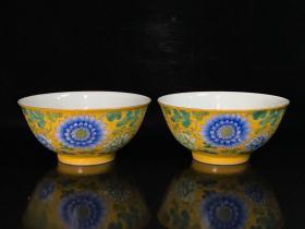 清康熙珐琅彩花卉纹碗