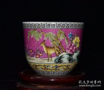 清代乾隆珐琅彩鹿纹杯【7x8.4cm】