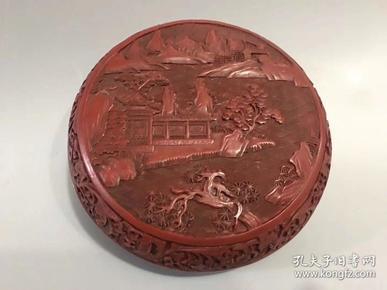 舊藏漆器首飾盒一個  底部刻有工匠名號 ·雕工精湛  直徑約17厘米,高約8厘米·