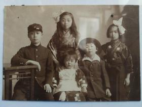 昭和时代日本少年儿童合影