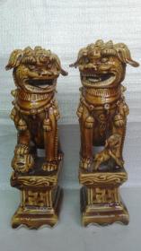 清代-民国;耀州陈炉窑黄酱釉--老瓷狮(一对和售,东西非常少见,器型大气、威武)