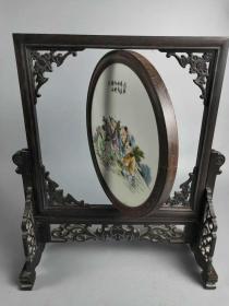 红木人物瓷板转屏一套,瓷质细腻,雕刻精美,人物栩栩如生,品相一流,保存完整
