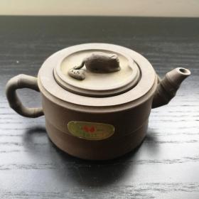 宜兴 紫砂 茶壶 没用过 约13cm全长 6cm高 宜兴紫砂工艺二厂