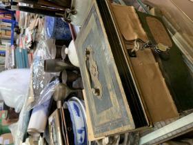 老的铁盒子带钥匙JOHN MORETON&C O  LTD  WOLVERHAMPTON