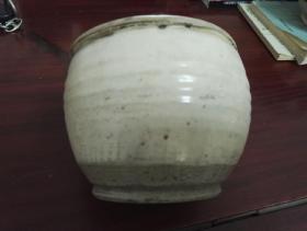 古旧纯朴出自山西太原~白釉小罐