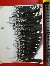 1969年,昆明市工农兵学商各界革命群众,举行大型游行聚会,一幅照片一套(三十余张,2OX15厘米)每张价格1000元,不折零