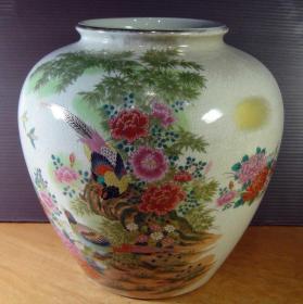 冰裂纹瓷器花瓶丨帝雉牡丹烫金图