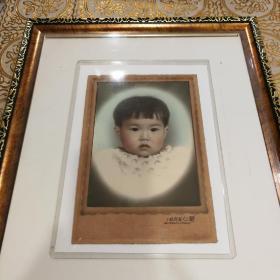 民国兰心照相馆儿童肖像照片卡纸背板,手工上色炉火纯青,保存近乎全新品相!