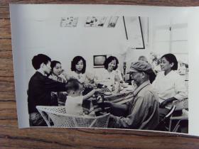 1984年,河南沁阳县五街村,农民家的丰盛午餐