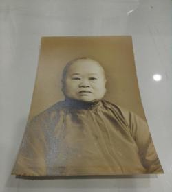 民国贵妇人保存全新品相调棕肖像照片,泛银漂亮