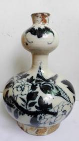 清代;耀州窑系青花兰草、梅花、喜鹊、蝙蝠图---葫芦瓶(此类画工、器型罕见)