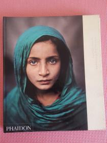 In the Shadow of Mountains by Steve McCurry(在山的阴影)8开精装