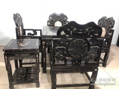 舊藏上等紫檀木鑲貝八仙桌一套  桌子尺寸:96*96*81,單椅子長69厘米,寬53厘米,前高50厘米,后背高113厘米,茶幾48*48*71,